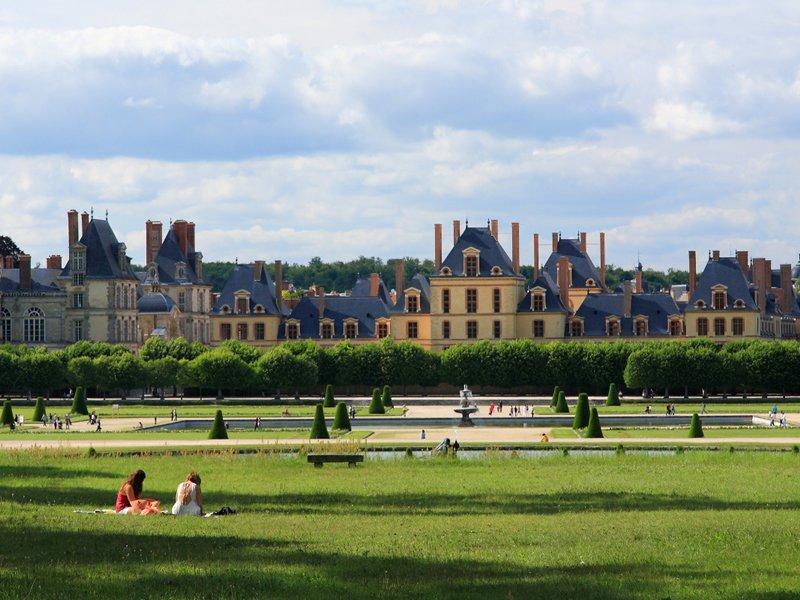 Fontainebleau and Vaux-le-Vicomte