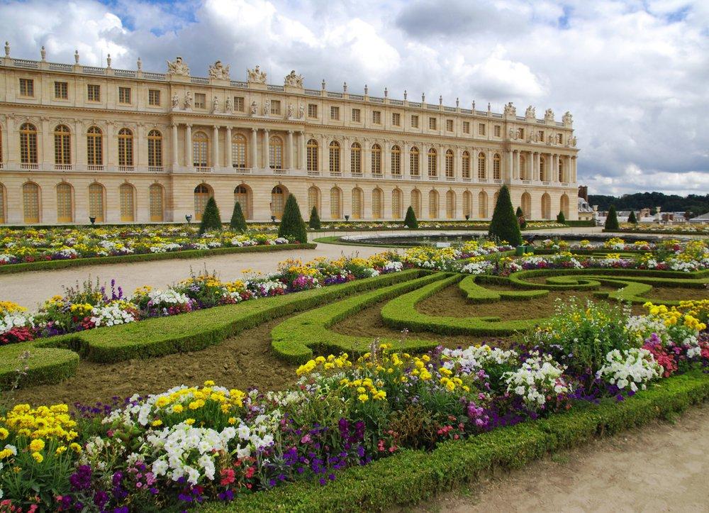 Vip Château et JardinsÉcourtez au maximum le délai d'attente avec un horaire réservé, une entrée facilitée et profitez d'une visite à votre rythme du Château et des jardins.