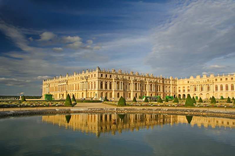 VERSAILLES GUIDED TOURS Pre-booked entrance time, priority entrance and professional guide