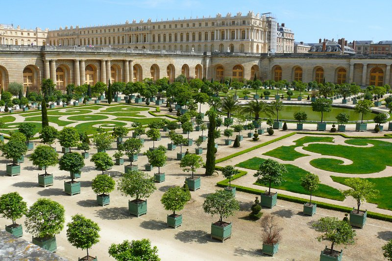 SHORT BREAKS IN VERSAILLESFull packages including accomodation, tours and shows.