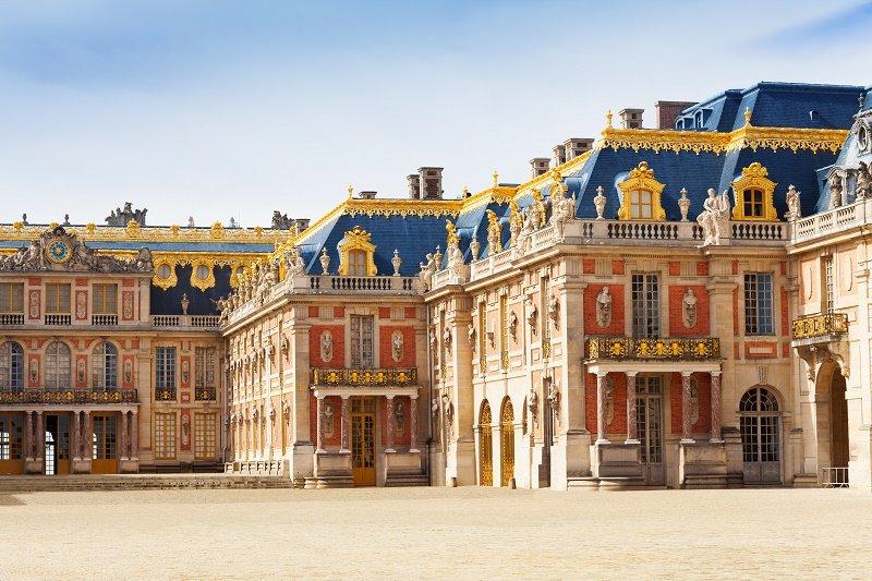 VERSAILLES EN RER DEPUIS PARISArrivez à Versailles en transport en commun en compagnie de notre hôtesse